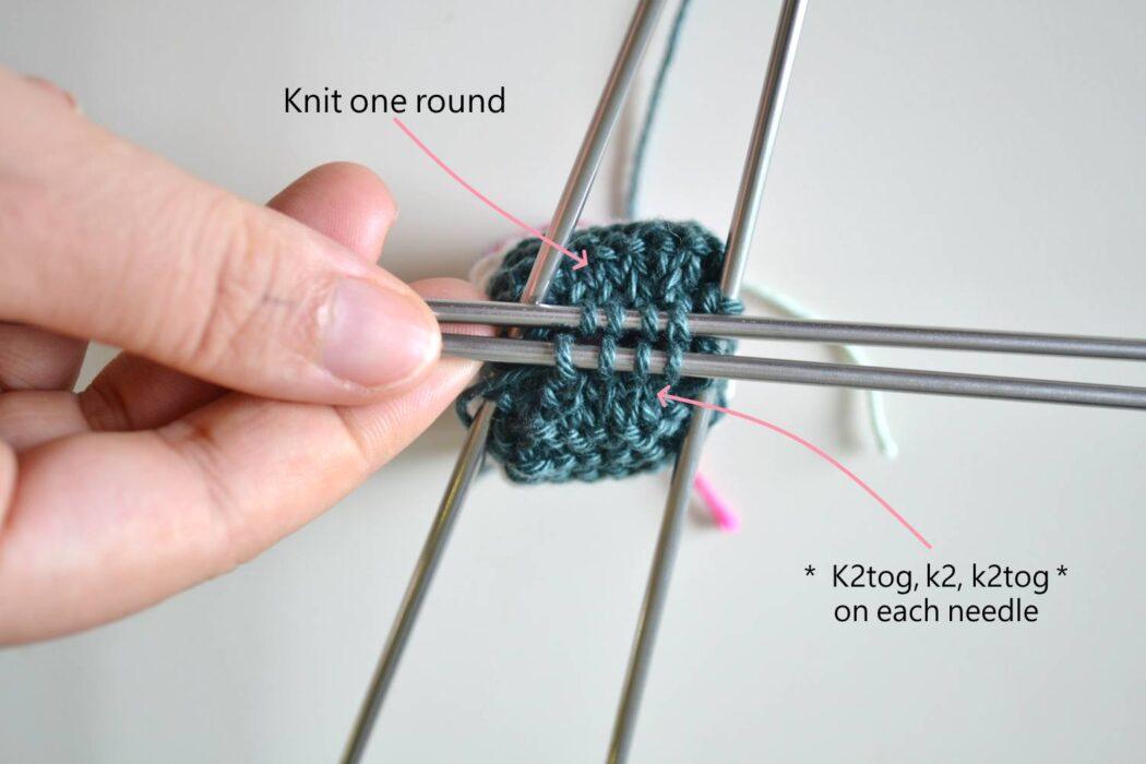 Knit Chair socks free pattern step 6