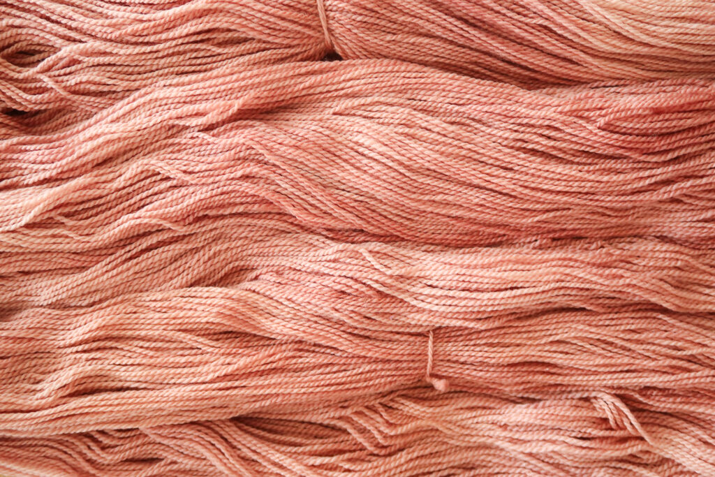 The final result: unintentionally variegated hand dyed yarn