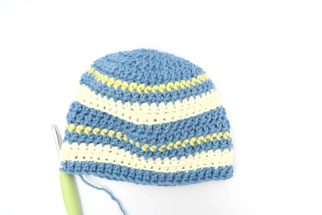 The main part of the baby crochet hat pattern, only the ribbing is missing.