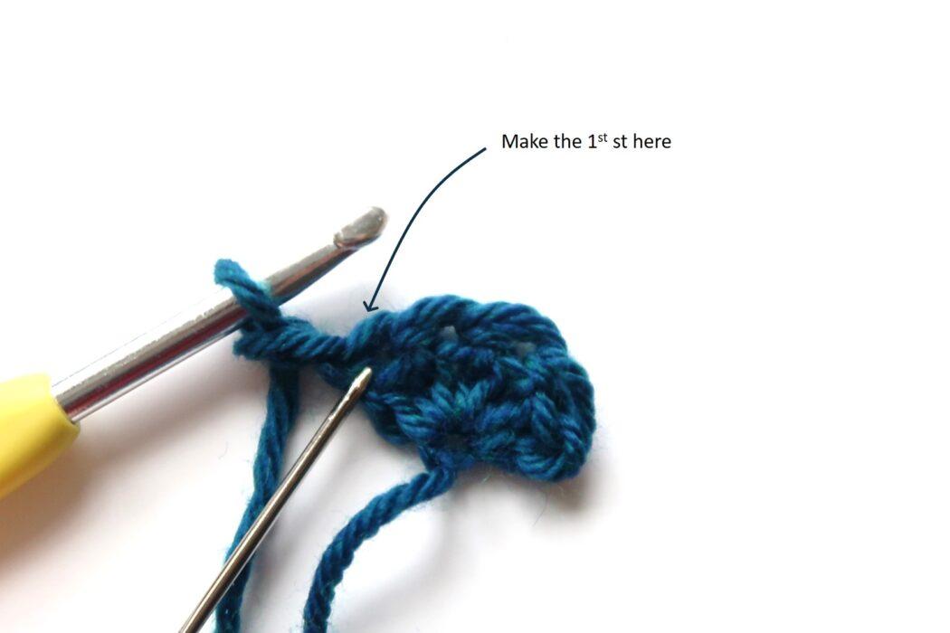 fairy lights triangle shawl crochet pattern step 2
