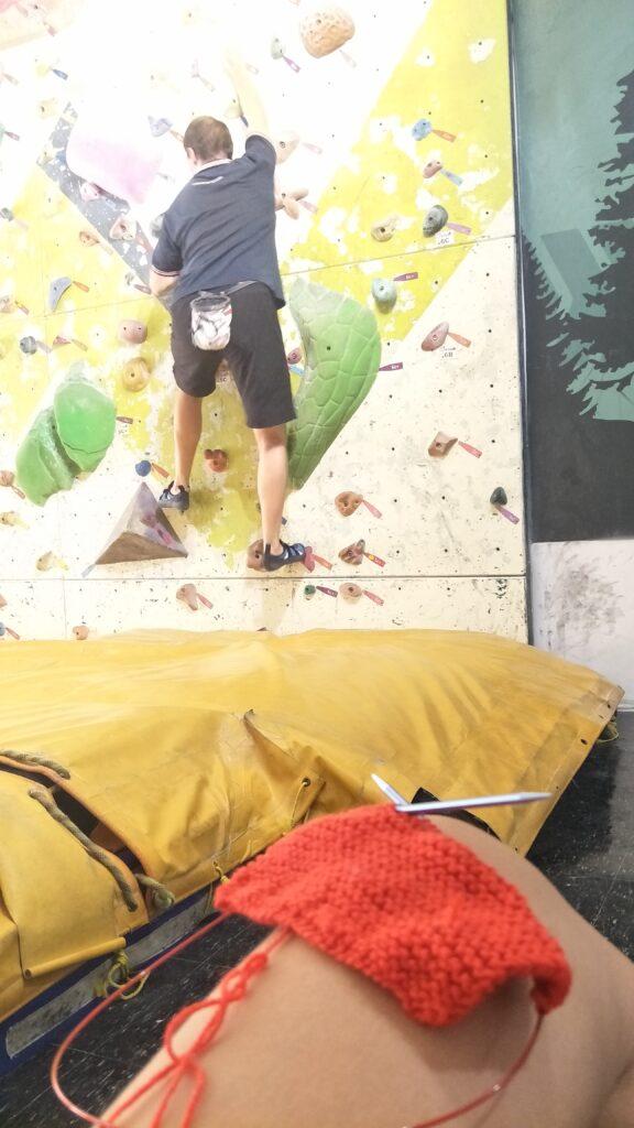 knitting while Mr Artichoke climbs