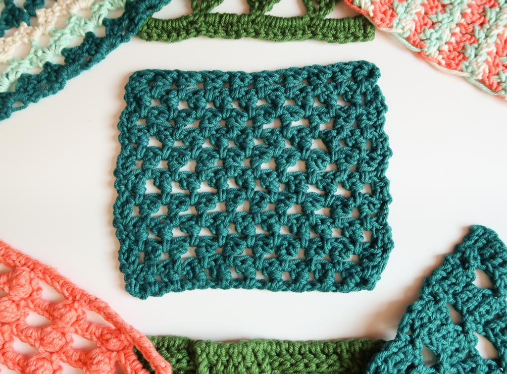 Mini triangles grid crochet stitch pattern