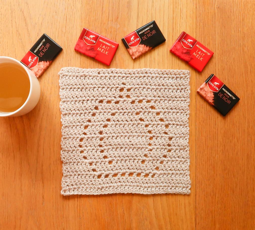 Pumpkin lace crochet blanket square pattern